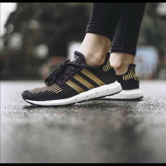 adidas Shoes   Nwot Adidas Swift Run